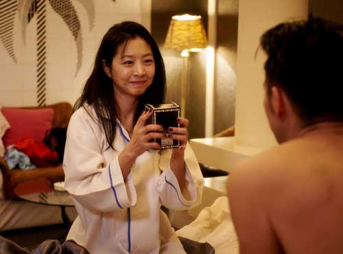 Lee Eun-woo plays a frequent visitor to the love hotel, known to some as Hena, to others as Ilia