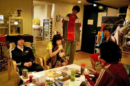 Love hotel staff ponder what to do about the penniless runaway girl that had run up a high bill