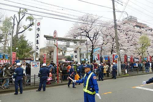 Crowded scene at the entrance of the Kanayama Shrine, Kanamara Festival